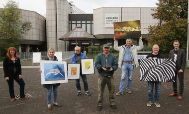"Die ""Artists for our nature"" vor dem Aquazoo Löbbecke Museum"